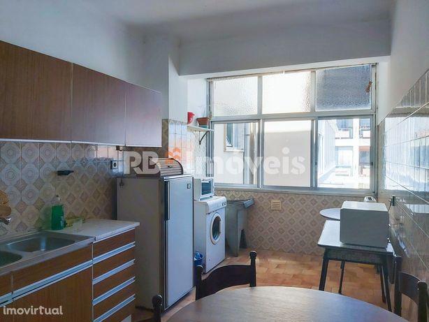 Apartamento T4  c/ lugar de garagem e arrecadação - Tomar