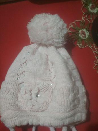 Зимняя шапочка тёплая и красивая +ЮБОЧКА В ПОДАРОК