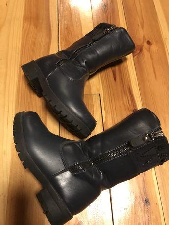 Сапожки, чобітки, ботинки для дівчинки