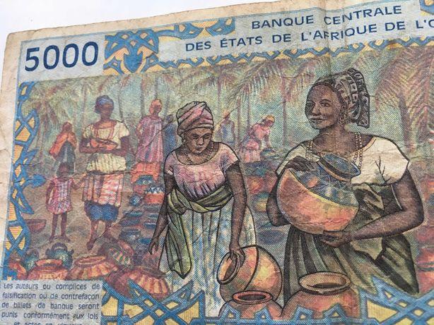 Nota de 1000 francos, e 5000 muito antigas em otimo estado