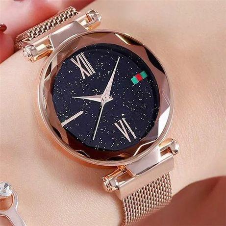 Женские часы Звёздное небо ремешок на магните