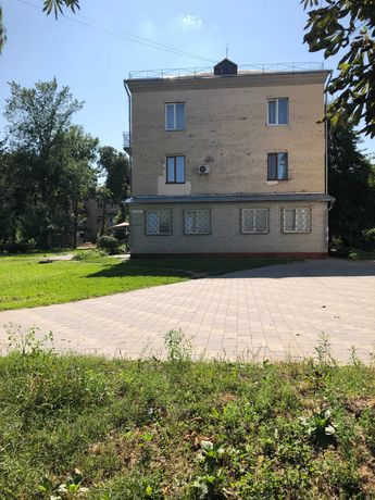 Продам квартиру , ул.Лятошинского/Небесной Сотни-96 метров