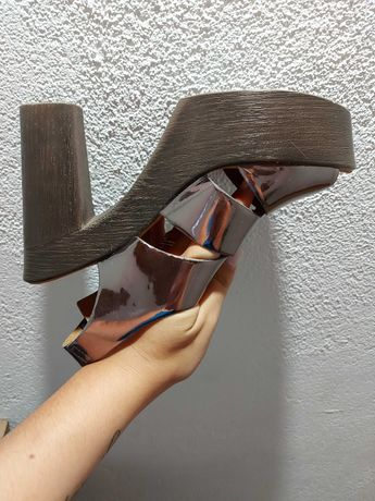 Vendo sandálias N°40
