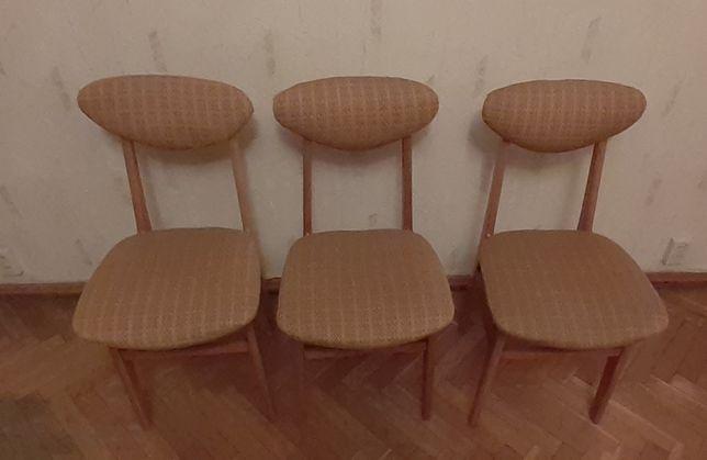 sprzedam krzesła Hałas