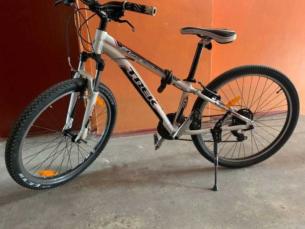 Велосипед Trek-3700 горный 2012 года