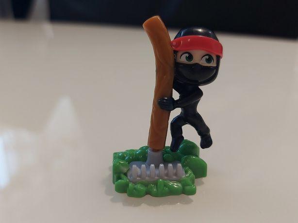 Игрушка Маша-ниндзя из киндера