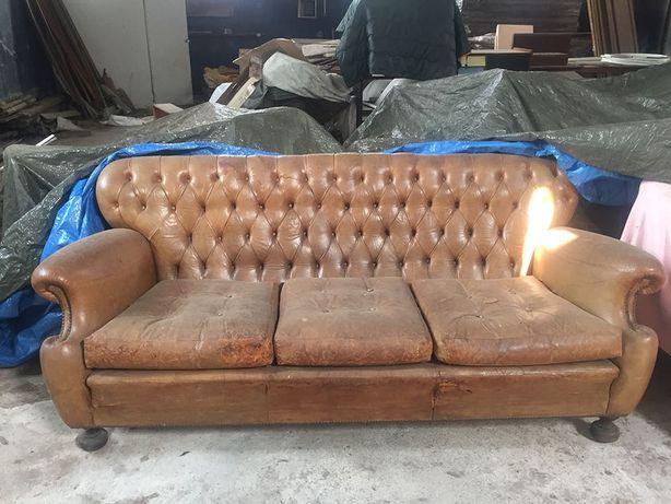 sofa 3 lugares capitonné em pele.