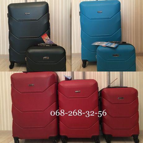 АКЦИЯ Чемодан Польша валіза сумка на колёсах