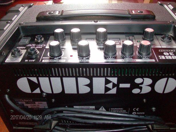 Amplificador de guitarra Roland cube 30