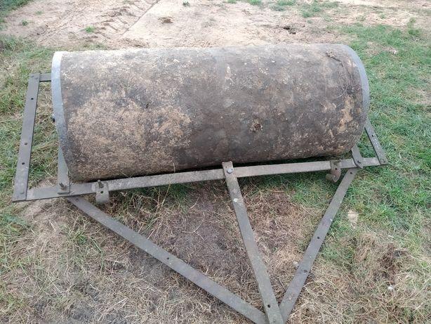 Wał łąkowy betonowy