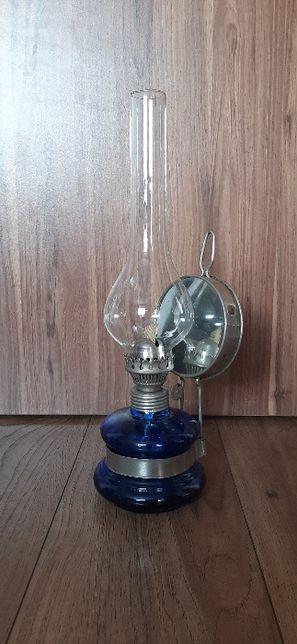 Lampa naftowa z 1980 roku