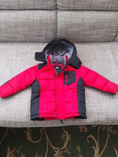 Продаю зимне-осенюю куртку на 18 мес.