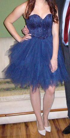 Sukienka z wiązanym gorsetem, rozm. 38