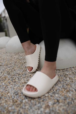 Сланцы тапочки Adidas Yeezy slide р. 35 36 37 38 39 40 41 42 43 тапки