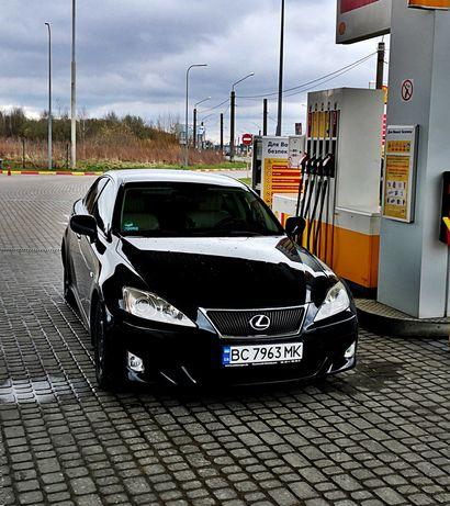 Lexus is 220 diesel
