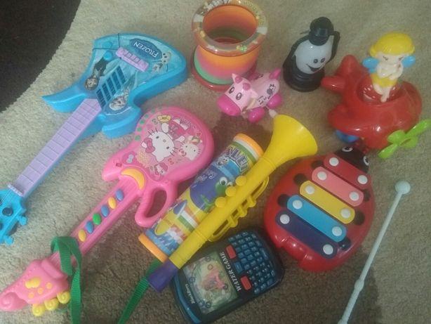Набір дитячих іграшок