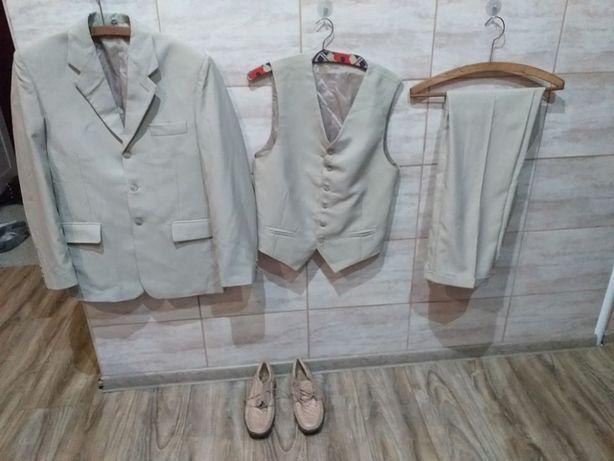 Sprzedam garnitur 3 częściowy z butami polecam