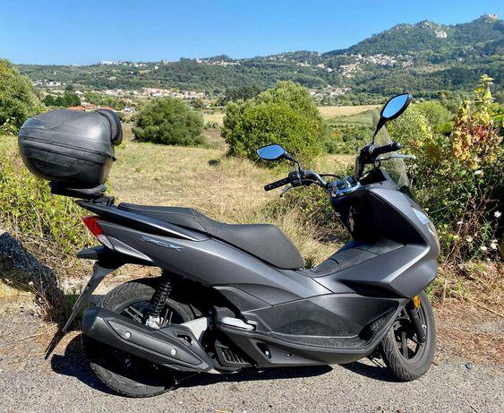 Vendo Honda PCX 125cc de 2016 com poucos Km's