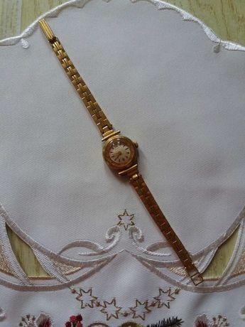 Часы Слава-женские,механ..позолоченные на браслете позолоченном СССР