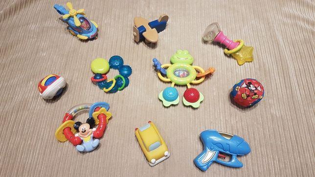 Zestaw zabawek,grzechotki,gryzaki