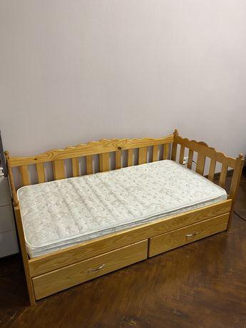 Продам детская кровать от 3-10 лет.  с ортопедическим матрасом.