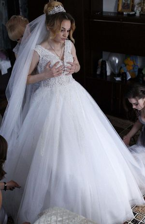 ніжна весільна сукня 2021