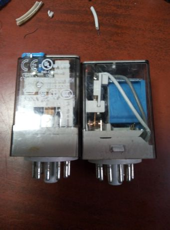 Реле электромагнитное finder 2 шт