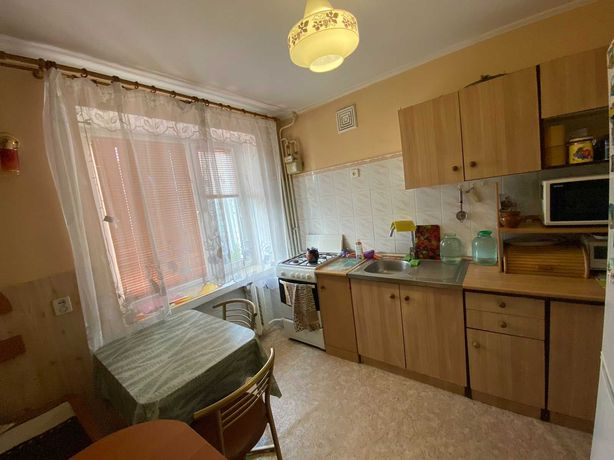 Продаж 3кімн.квартири на вул. Наукова. 67кв.м. Цегляний будинок