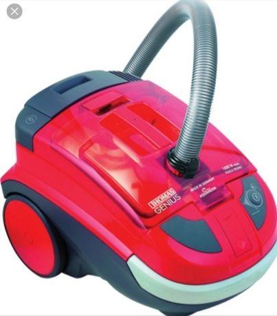 Пылесос Thomas Genius красный с водяным фильтром