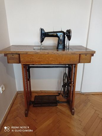 Łucznik - maszyna do szycia + stolik