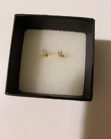 Złote kolczyki z białego i żółtego złota z brylantami
