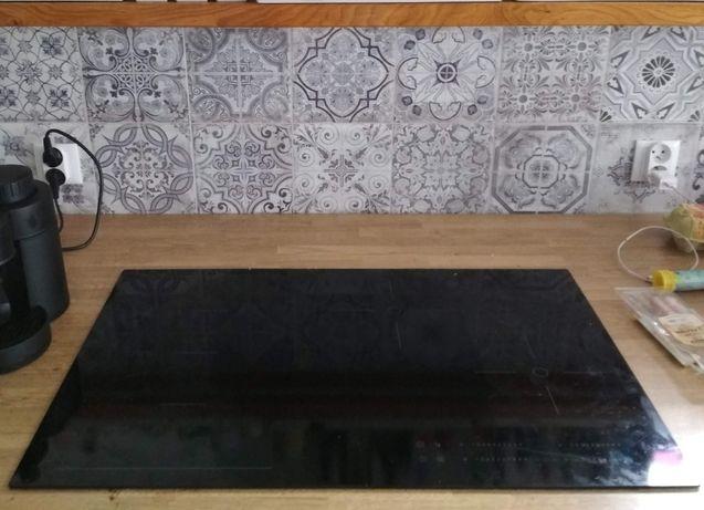 Płyta indukcyjna IKEA HOGKLASSIG 603.039.33 78cm stłuczona