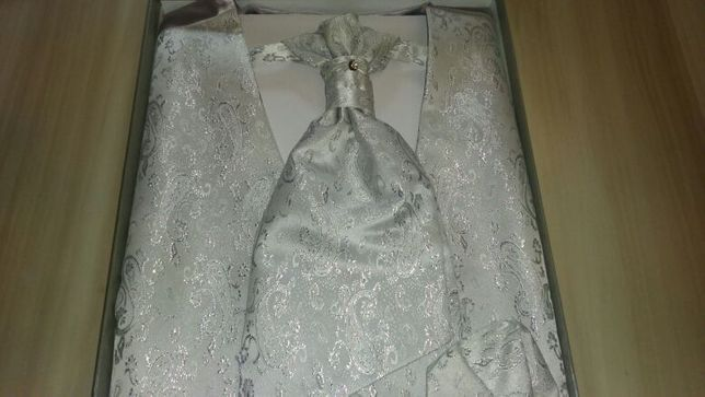 Ślubna kamizelka Sunset Suits jak nowa gratis