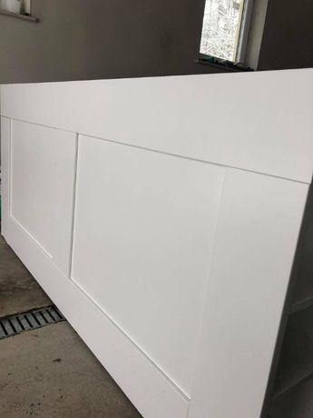 Zagłówek IKEA BRIMNES z półkami. Kolor biały.