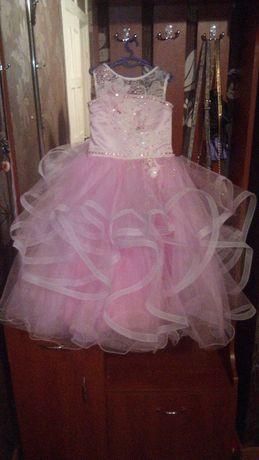 Нарядное детское платье на выпускной, 5-7 лет