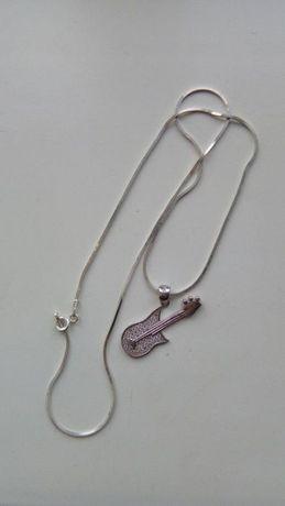 Продам срібний ланцюжок з кулончіком