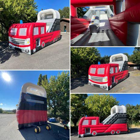 Insuflável Carro dos Bombeiros 8,00x4,00x6,00
