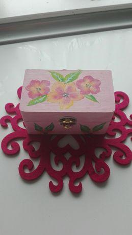 Sprzedam ręcznie malowaną szkatułkę
