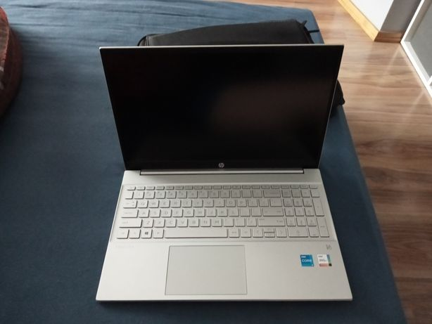 Sprzedam laptop hp pavilion 15-eg0052nw