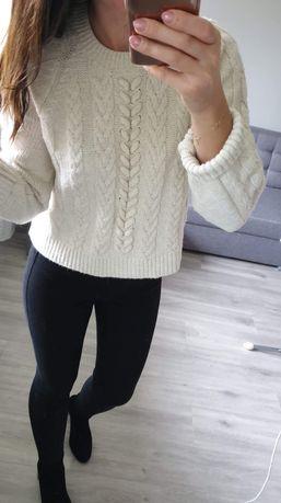 Kremowy sweter rozmiar M