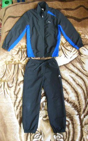 Спортивный костюм Domyos мальчику 6 лет (116-122см)