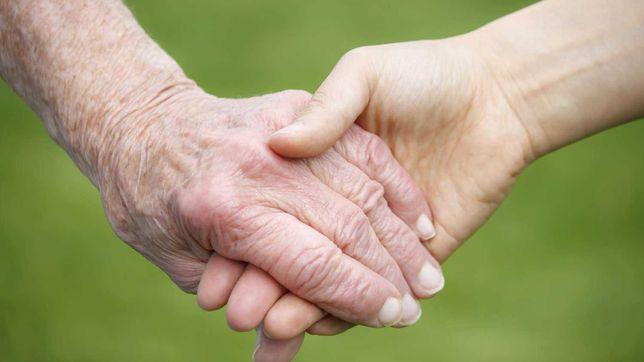 Cuidadora idosos limpezas, alimentação e deslocações Cascais e Estoril