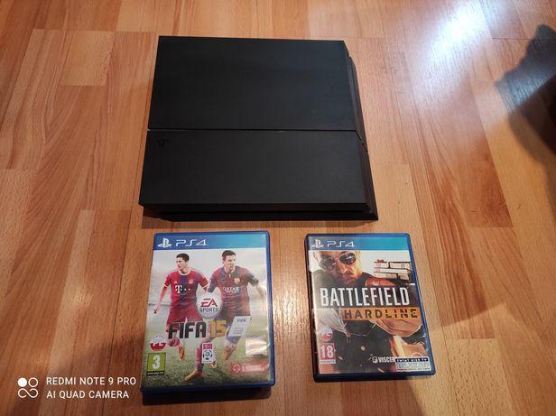Konsola PS4!