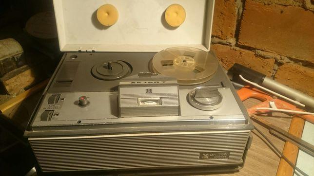 Magnetofon zk 140T