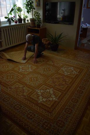 Piękny duży dywan