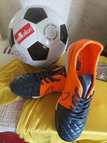 Сороконожки (футзалки , футбольная обувь Nike Tiempo