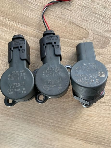 Датчик давления топлива Mercedes-Benz A6110780449 A6110780149