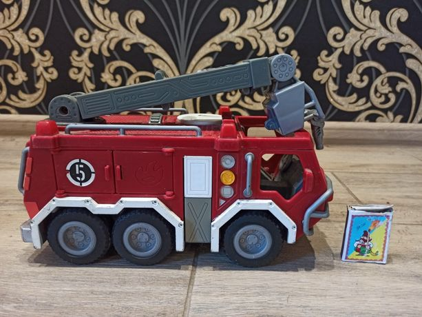 Пожежна машинка із Європи майже нова