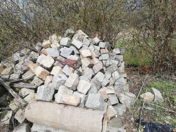 Kamienie ogrodowe skalniak