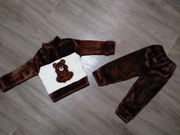 Плюшевый костюм травка с мишками для мальчика 6-12 мес
